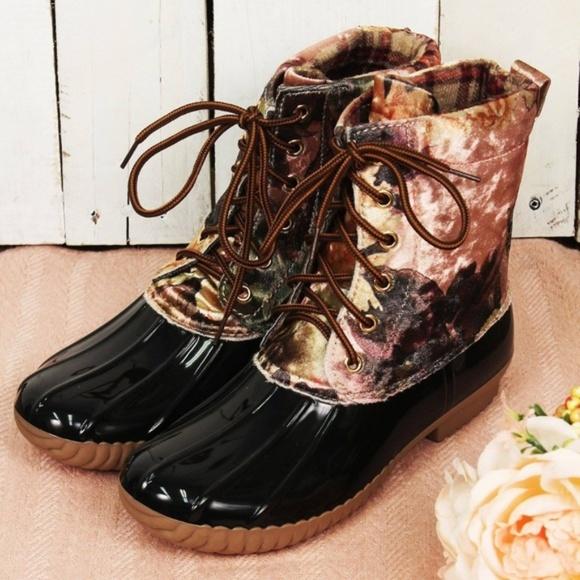 794af534fc97 Yoki Black   Blush Camo Duck Boots (RUNS SMALL)